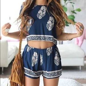 Crop top & high waisted shorts leaf design outfit!